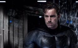 蝙蝠俠裝備太威 小班想幹走糗被抓包