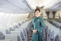 接班風暴後...長榮空姐看板換成「她」?