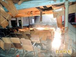 歷史建築西螺戲院 沒活化成狗窩