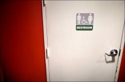 美准跨性別者自選廁所 11州不服提告