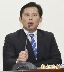 洪慈庸遭批學歷低  黃國昌:高學歷的馬總統把台灣搞成什麼樣