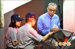 中信金案// 辜仲諒1億交保 朱國榮收押