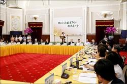 年金改革委員會首次會議 氣氛火爆 三委員退席》台少盟:軍公教不該有被害妄想