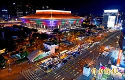 台鐵慶125年 台北車站上演燈光秀