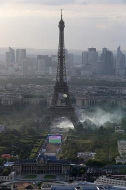 催淚瓦斯攻擊 中國觀光客巴黎遇搶