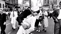 終戰「勝利之吻」女主角辭世 享耆壽92歲
