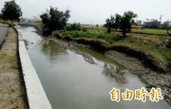 南市濱海區嚴重淹水 北門頭港大排破損300米