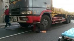 視線死角? 大貨車撞腳踏車拖行近10公尺 女子傷重不治