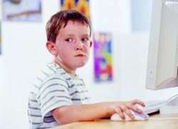 想靠youtube影片賺錢 男孩先收358萬帳單