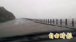 超大豪雨肆虐!連濱海公路也淹水