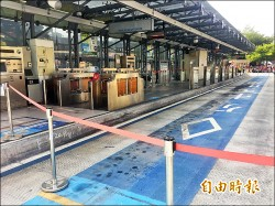 台中火車站前公車站搬風 民喊不習慣
