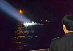 中國漁船撈過界 南韓海警M60擊退