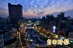 台中柳川燈光絢麗 成觀光新景點