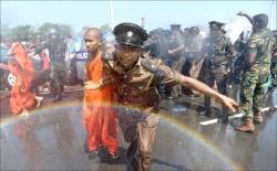 港口租中國99年 斯里蘭卡人抗爭