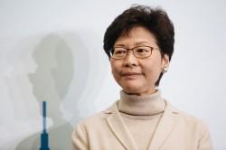 林鄭陷「廁紙門」 港選委:不選她等於反中央