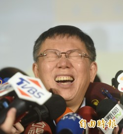 台北燈節「小奇雞」亮相 柯文哲:比福祿猴可愛