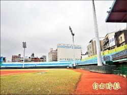 新竹棒球場重建 中職開幕連21場安打「鯊魚」力挺