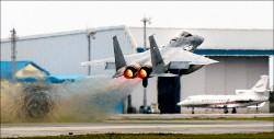 中國軍機頻踩線 日機近一年緊急升空851次
