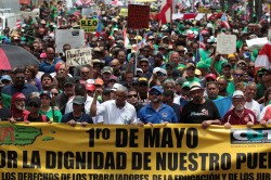波多黎各破產 700億成美最高市債