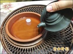 〈謠言終結站〉第一泡茶湯倒掉防農藥? 農委會:並無關係