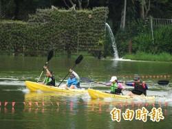 端午另類競賽   鯉魚潭辦獨木舟、泳圈漂流