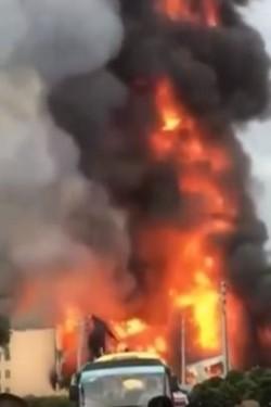 沖天大火!中國貴州天然氣爆炸造成8死35傷