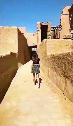 網傳迷你裙女模影片 沙國掀論戰