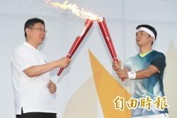 與中資合作後... 網友打臉林義傑「還有拿國旗跑嗎?」
