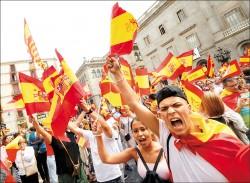 加泰隆尼亞今公投 西班牙封投票所