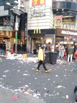 公德心呢?萬聖節狂歡夜過後 日本澀谷垃圾滿街