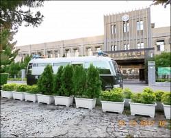 新店戒治所「去蔣」 移除銅像基座