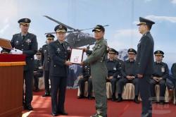 採購黑鷹直升機...  王信龍:當年是我代表與美方簽約!