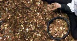 「重量級」遺產!銀行員花半年算120萬個舊硬幣