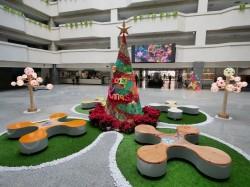 高市府中庭變身耶誕園區 邀市民朋友共享歡樂氣氛