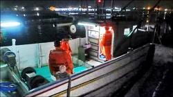 船長落海獲救 「幽靈船」暗夜迷航