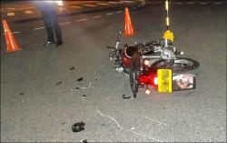 汽車、重機搶黃燈對撞 騎士不治