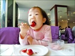 歐洲研究:飲食健康兒童 更快樂