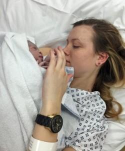 月經準時卻懷孕!英女子送醫後才知「懷孕9個月」