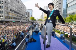 日本11萬人遊行只留12袋垃圾 中國網友讚嘆:國人做不到!