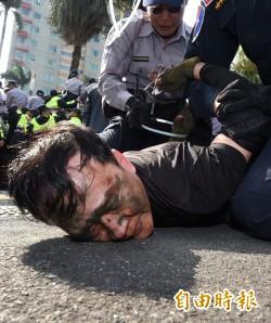反年改攻立院15員警9記者傷 檢進駐偵辦