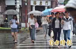 11縣市豪大雨特報 熱帶性低氣壓最快今成「凱米」颱風!