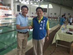 楊文科、林為洲泳賽開幕「王見王」 握手照同PO臉書