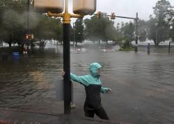 颶風「佛羅倫斯」登陸美國 釀淹水、停電