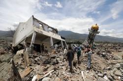 印尼強震海嘯已致1763死   約5000人下落不明