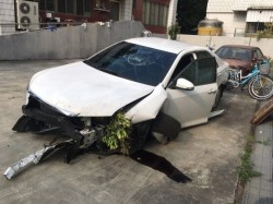 紅牌重機騎士遭汽車撞飛身亡 上百車友集結訴願