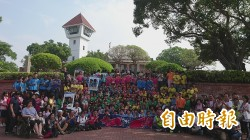 安平古堡395歲生日快樂 台南民眾快閃為王城慶生