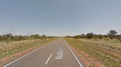 慘!澳洲自駕車子拋錨 一家人下車走4.5km全被熱死...