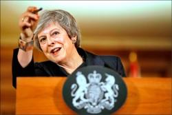 脫歐協議卡關 英相打槍二次公投