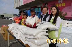 暖心!愛心「白米伯」種稻欠收 今年照樣送白米