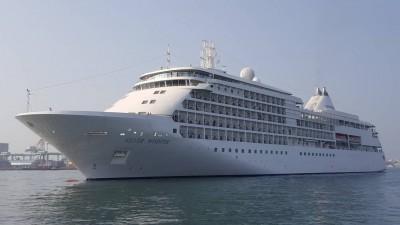 銀海郵輪首航高雄港 外籍旅客對台灣熱情驚豔